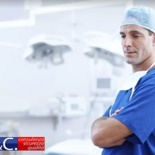 Apparecchiatura estetica o dispositivo medico