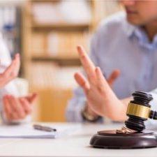 L'Avvocato spiega l'affidamento legale congiunto di un minore da entrambi i genitori