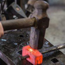 Il Lavoro del Fabbro tra Artigianalità e Modernità