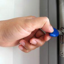 Come si sblocca una serratura a cilindro europeo