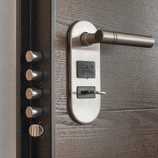 Come aprire la porta di casa senza chiavi