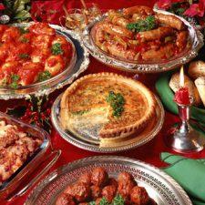 Catering per il Pranzo di Natale a Domicilio con Cibo e Bevande di Qualità